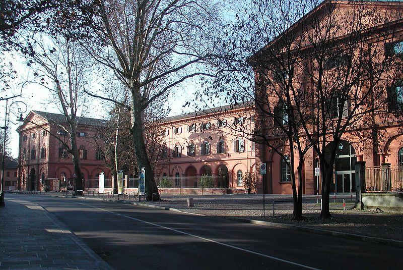 File:Reggio emilia foro boario uni.jpg