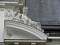 Rennes (35) Palais du Commerce Statue 08.jpg