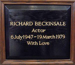 Richard Beckinsale - Beckinsale's memorial plaque in St Paul's in Covent Garden