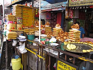 Bidhan Sarani - Image: Roadside Snacks Stall Shyambazar Five point Crossing Kolkata 2012 05 19 3083