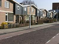 Row of houses; street in Dronten.JPG