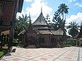 Rumah Adat Minang Kabau di TMII - panoramio.jpg