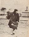 Rybaczka w drodze na targ do Gdanska (1925).jpg