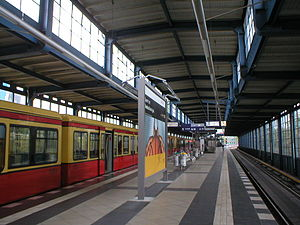 Berlin Jannowitzbrücke station - S-Bahn platforms, class 481/482 train on the left
