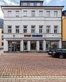 """Saalfeld Saalstraße 1 Wohn- und Geschäftshaus Bestandteil Denkmalensemble """"Stadtkern Saalfeld-Saale"""".jpg"""