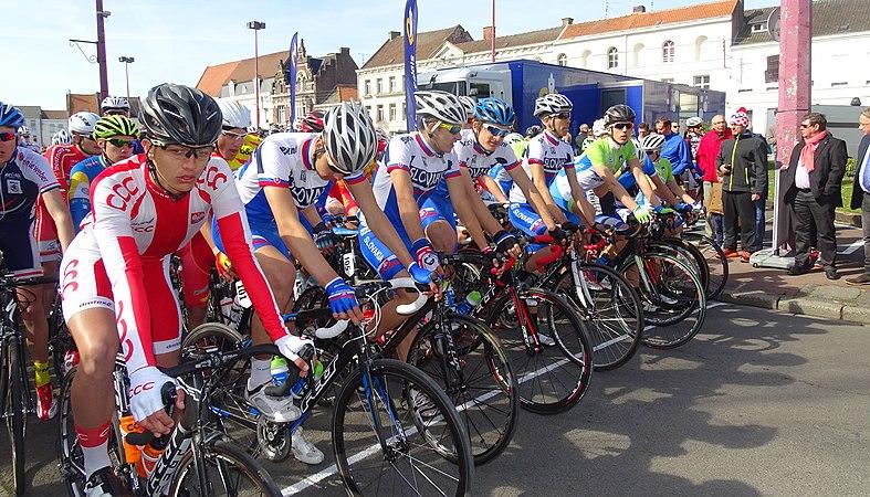 Saint-Amand-les-Eaux - Paris-Roubaix juniors, 12 avril 2015, départ (A87).JPG