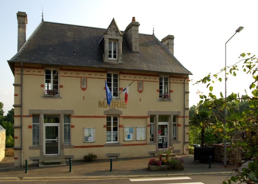 La Mairie de St Jean-le-Thomas