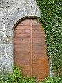 Saint-Médard-la-Rochette chapelle Ceyvat porte.jpg