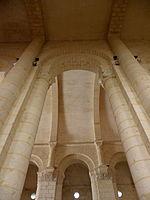 Saintes (17) Basilique Saint-Eutrope Intérieur 06.JPG