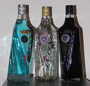 da sinistra a destra: Sambuca Inferno Ice, Sambuca Gold, Sambuca Black.