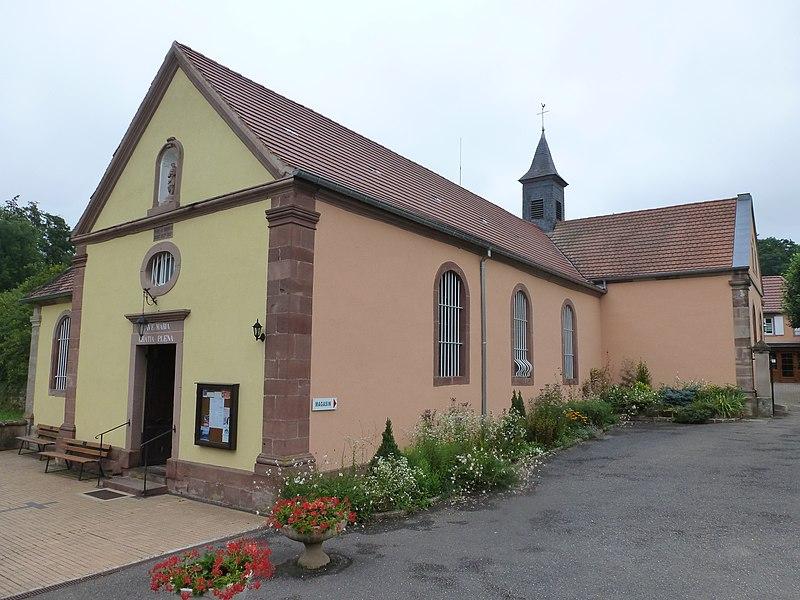 Sanctuaire Notre-Dame de Bonne-Fontaine. Vue de la chapelle et du couvent.