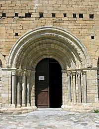 Portada de la iglesia de Sant Andreu de Salardú