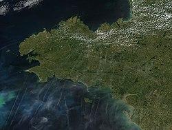 Image satellite de Bretagne - NASA, 2002.jpg