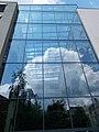 Semmelweis University. Centre of Theoretical Medicine. SE side. Glass wall. - Budapest.JPG