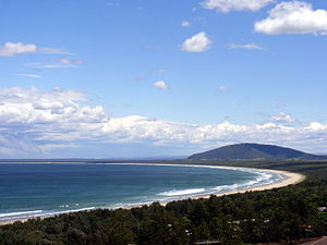 Seven Mile Beach (New South Wales) - View of Seven Mile Beach, looking south from Gerroa