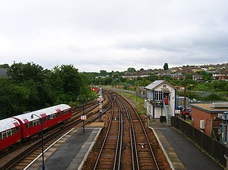 Ryde St John's Road railway station - Image: Signal Box, Ryde St Johns Road Station geograph.org.uk 531544