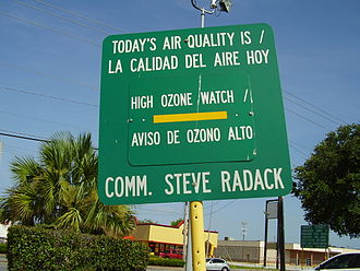 Air quality index - Signboard in Gulfton, Houston indicating an ozone watch