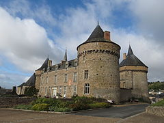 Château de Martine 26/06 trouvé par Jov 240px-Sill%C3%A9-le-Guillaume_-_ch%C3%A2teau_1