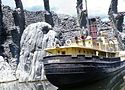 Skull Island and Venture in King Kong 2005.jpg
