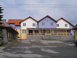 Slavce-2010-07-08-ObecniUrad.jpg
