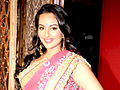 Sonakshi walks ramp.jpg
