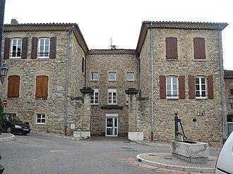 Saint-Vallier, Drôme - Image: St Vallier place de la pompe