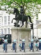 Statue of George III, Pall Mall SW1.jpg