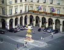 Statue of Jeanne d'Arc in Paris, Rue de Rivoli 2008.jpg