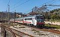 Stazione di Romagnano-Vietri-Salvitelle - treno Intercity - locomotiva E.401.036.jpg