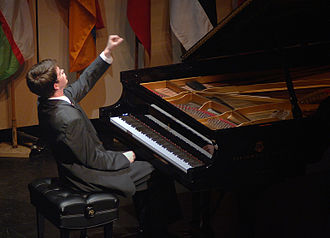 Stephen Beus - Stephen Beus performs in the 2006 Gina Bachauer International Piano Competition