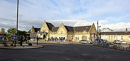 Stirling railway station, frontage, Scotland.jpg