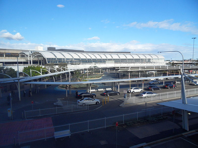 File:Sydney Airport from Carpark.jpg