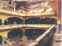 Zrujnowane wnętrze synagogi, 1996