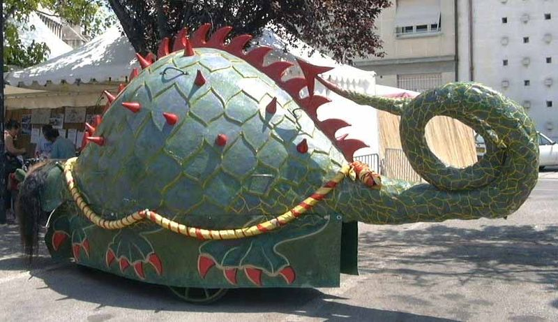 File:Tarasque float (left).jpg