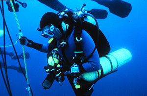 Technical diving - Technical diver during a decompression stop