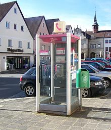 Telephone booth and waste container Schnaittach DE 2007-02-16.jpg