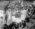 Tennis Noordwijk. Van links af de Amerikaanse dames Doris Hart, Shirley Fry en W, Bestanddeelnr 905-8201.jpg