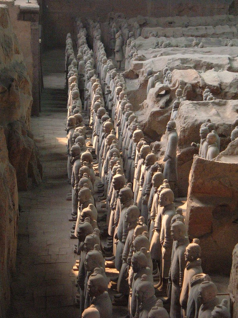 Terracotta Army Pit 1 front rank.JPG