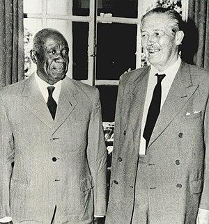 Lozi people - Harold Macmillan meets Paramount Chief of the Barotse in Northern Rhodesia (1960).