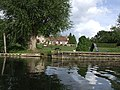 The Victoria Arms pub from a punt on the River Cherwell, Oxford-233245785.jpg