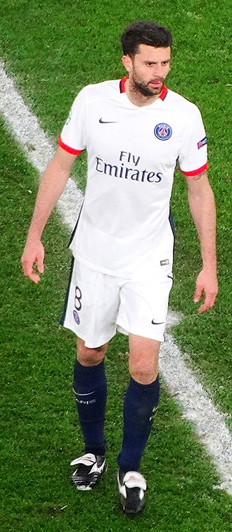 Thiago Motta - Motta playing for PSG in 2016