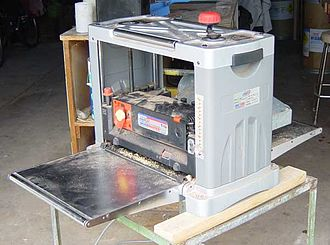 Thickness planer - A portable thickness planer