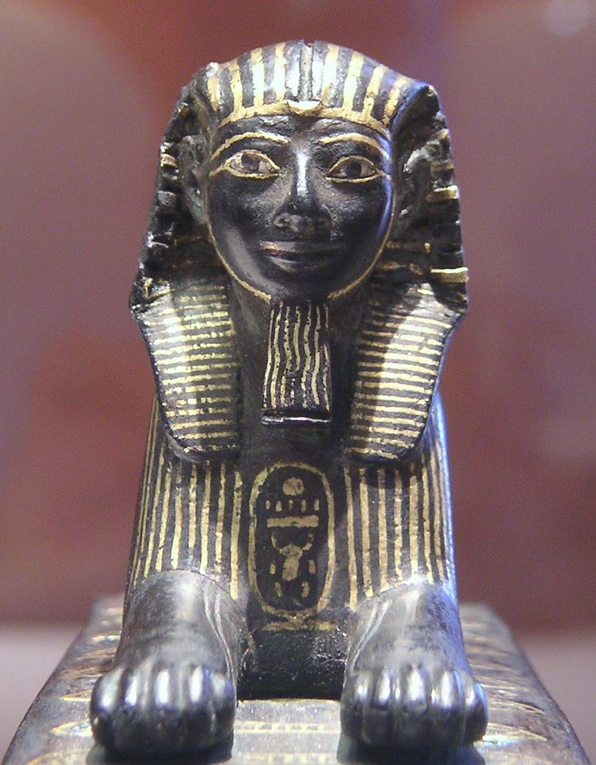 Thutmose III sphinx E10897-Louvre 042005 06