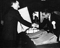 Tokio 1972. Roberto Michelucci riceve il Disco D'oro.jpg
