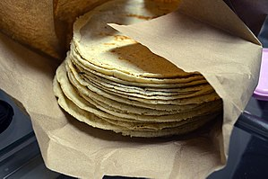 Corn tortilla - Image: Tortillas de maiz blanco (México) 01