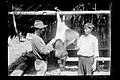 Trabalhadores Limpam um Porco do Mato - 601, Acervo do Museu Paulista da USP.jpg