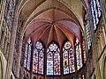 Troyes Cathédrale St. Pierre et Paul Innen Chorfenster 3.jpg