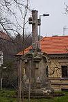 Tuchoměřice-kříž-před-klášterem2016.jpg