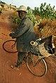 Un vieux à vélo à Ouagadougou.jpg