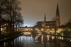 Uppsala Cathedral in the background of the Fyris River.